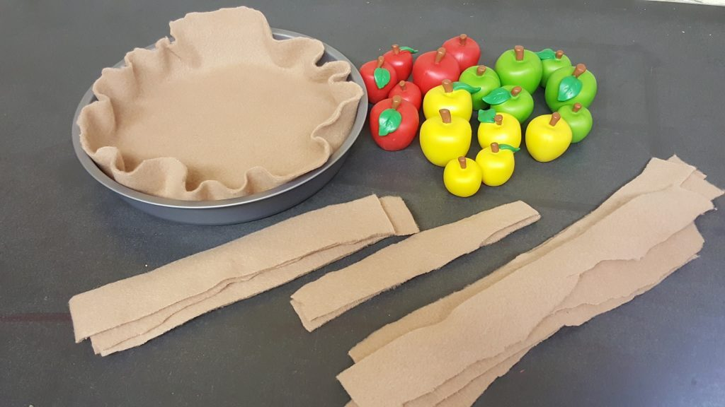 felt apple pie preschool activity